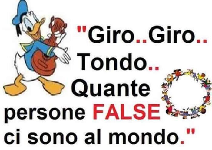 """""""Giro Giro Tondo... Quante persone FALSE ci sono al mondo..."""" - Frecciatine"""
